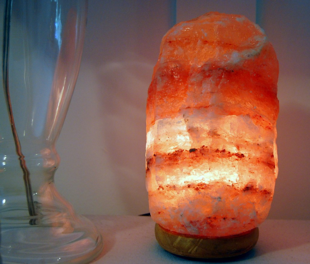 Do Himalayan Salt Lamps Really Emit Negative Ions : Salt Lamp Review Salt Lamps Now